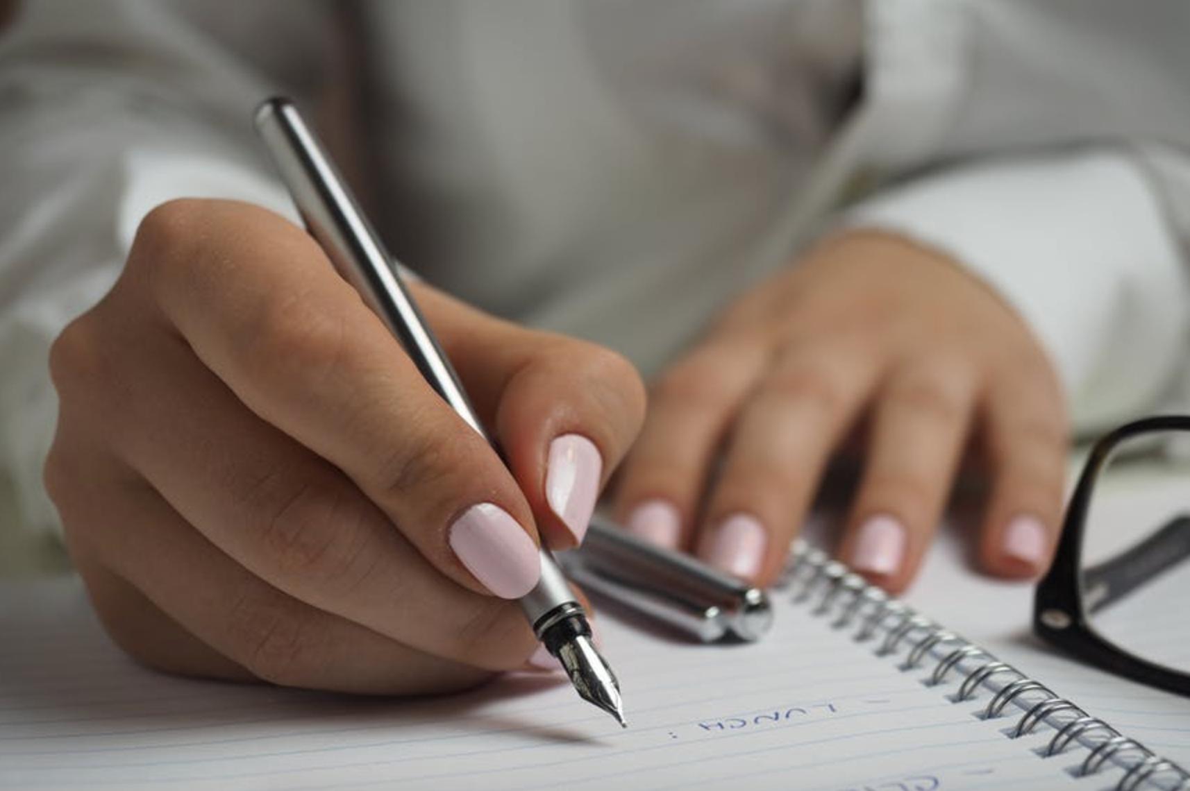 Qu'est-ce que c'est et comment fonctionne un contrat type «article 83»?