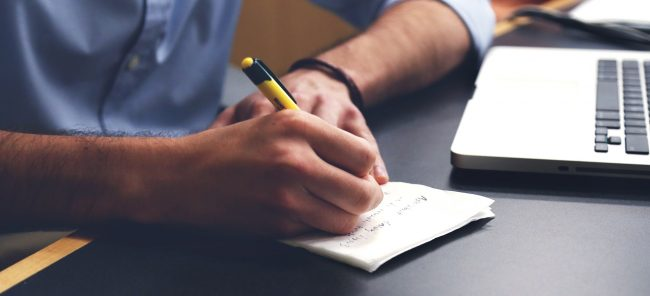 Quelle est la procédure que doit respecter l'employeur en cas de licenciement pour motif personnel ?